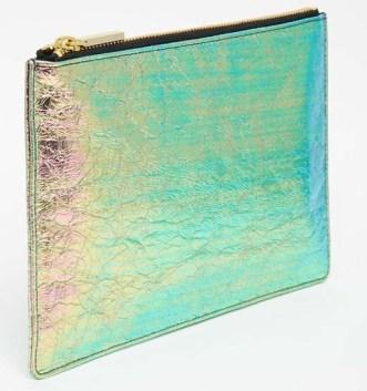 Pochette irirsée en cuir Whistles - Ma sélection shopping holographique - Charonbelli's blog mode