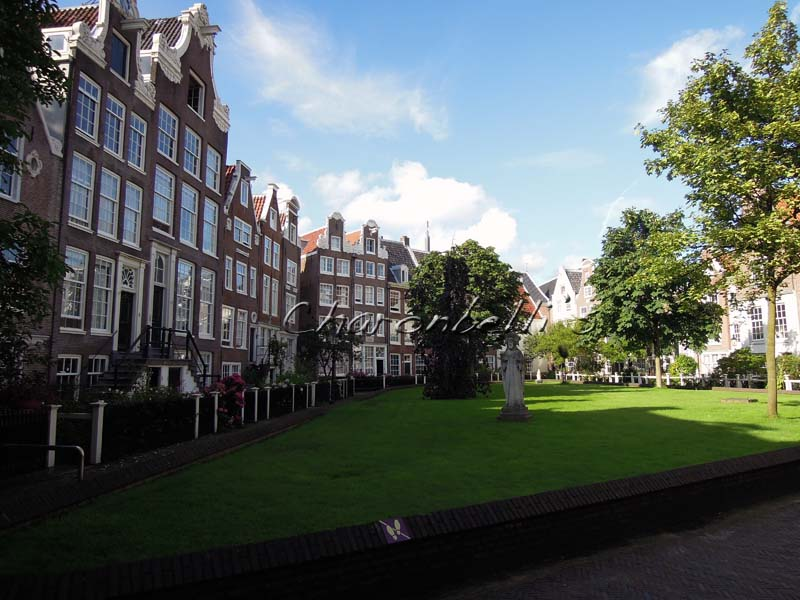 Et si on (re)partait a Amsterdam ? #cityguide - béguinage - Charonbelli's blog de voyages