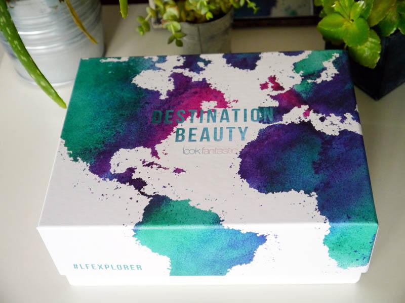 Lookfantastic-Explorer-Beauty-Box-1-Charonbellis-blog-beaute