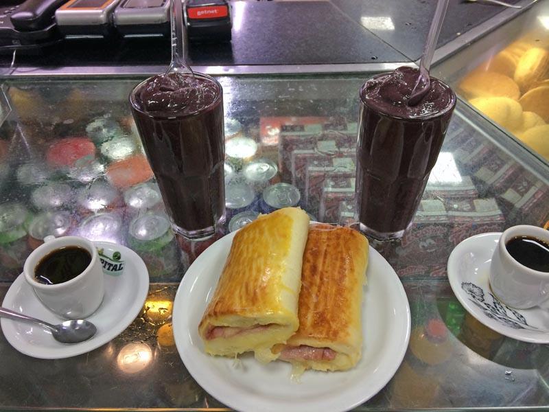visiter-rio-acai-juices1-charonbellis