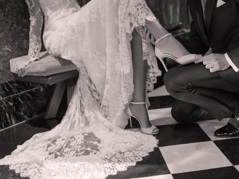 La-nouvelle-collection-mariage-Jimmy-Choo3-Charonbellis
