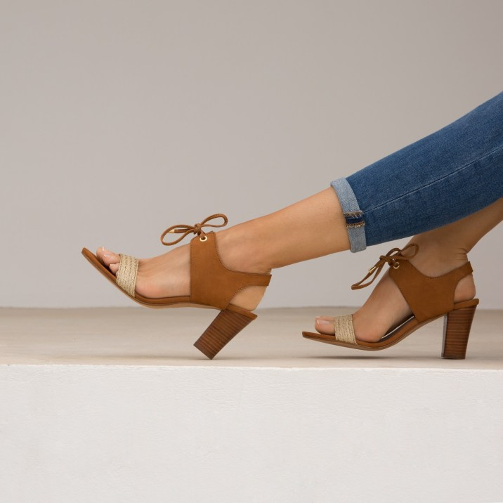 sandales-a-talon-la-perchee-camel-Bobbies-Charonbellis
