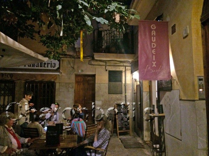 Gaudeix-Bodega-Restaurant-Palma-de-Majorque-Charonbellis