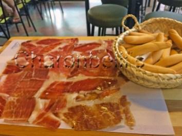 La-Rosa-Chica-Vermuteria(2)-Palma-de-Majorque-Charonbellis