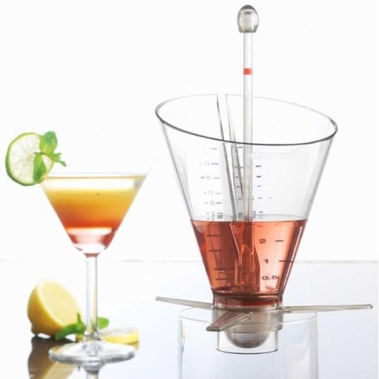 Entonnoir-cocktail-Mastrad-Charonbellis