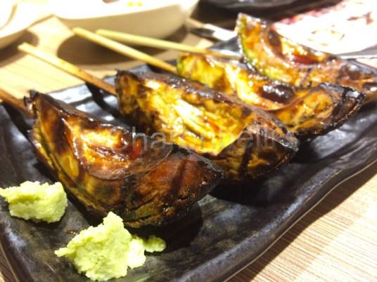 Yakitori(1)-Manger-a-Tokyo-Charonbellis