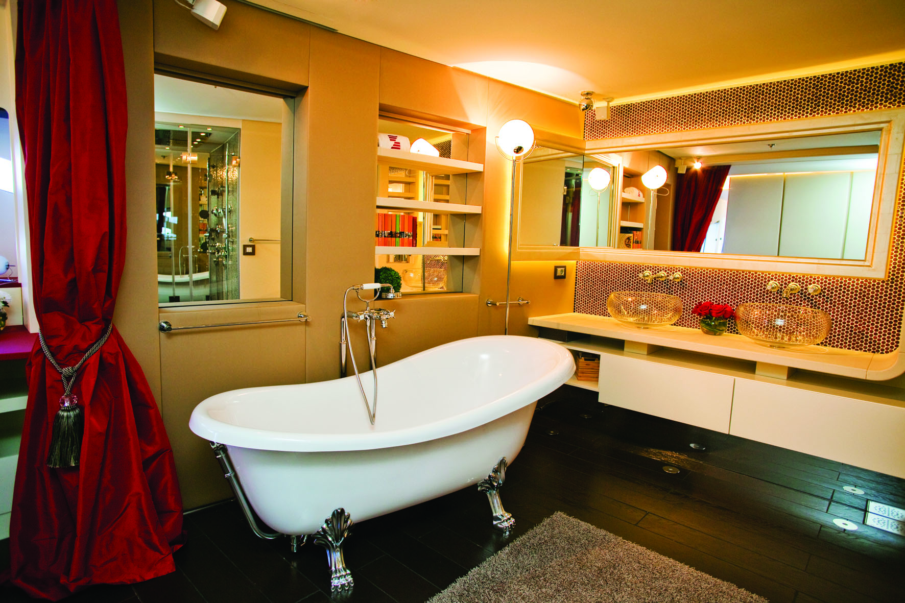 Superyacht JoyMe Master Bathroom