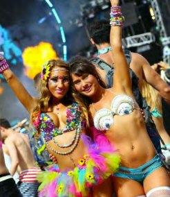 florida-LIFESTYLE-colorful-girls