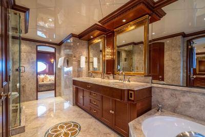 master-bath-1280px-45