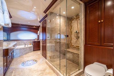 master-shower-1280px-45