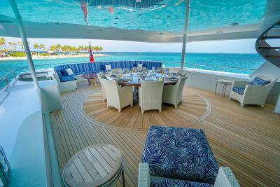 upper-deck-aft-view-1280px-45