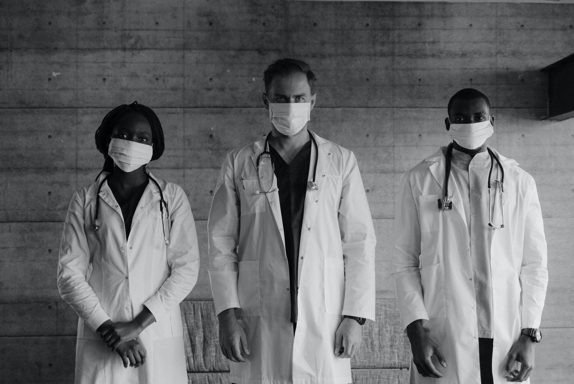 Team behind Surgeon in Operation Theatre