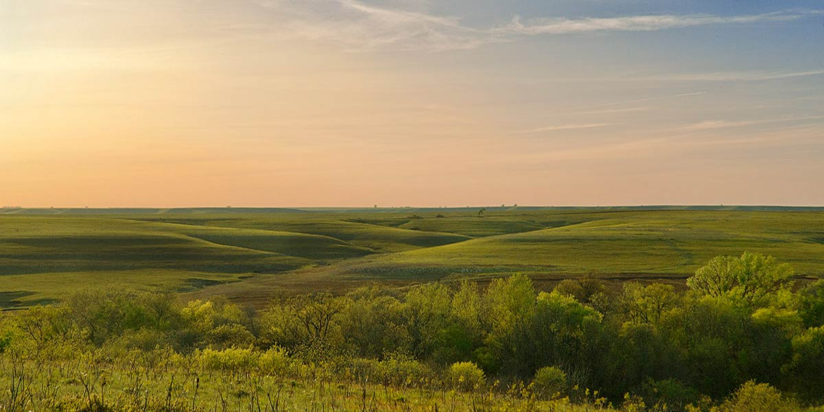 https://i2.wp.com/chasecountychamber.org/wp-content/uploads/2014/04/flint-hills-chase-county-ks-secluded-getaway.jpg