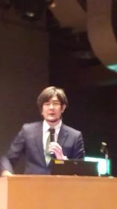 「投資の日」記念イベント 講演中の三橋貴明氏/どこまでもアマチュア