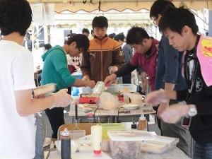 第50回福井高専祭 露店裏の調理風景3/どこまでもアマチュア
