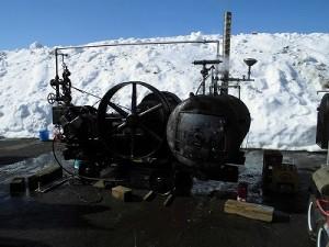 さかだに雪まつり ぎふ発動機愛好会が展示しているエンジン/どこまでもアマチュア