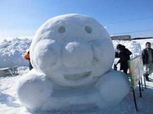 さかだに雪まつり 雪像づくりコンクール JAテラル越前大野東支店の方々の作品/どこまでもアマチュア