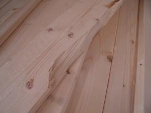 日曜大工自習教室~ズブの素人編~ 欠損したホワイトウッド1×4材/どこまでもアマチュア