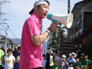 第51回越前大野名水マラソン 自分のトークに陶酔しているゲストランナー 森脇 健児氏/どこまでもアマチュア