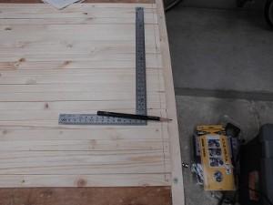 日曜大工自習教室~下手の横好き編~ ビス位置を線引き/どこまでもアマチュア