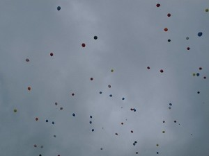 六呂師高原アルプス音楽祭2015 バルーンリリース飛んでいく風船/どこまでもアマチュア