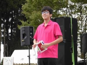 六呂師高原アルプス音楽祭2015 藤島高校ジャグリング部 内田君シガーボックスの演技スタート/どこまでもアマチュア