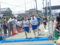第52回越前大野名水マラソン ゴールしてくるランナー/どこまでもアマチュア