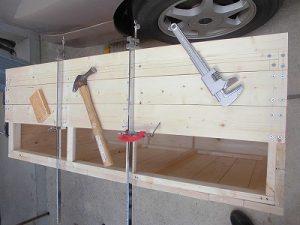 日曜大工教室~我流か自己流か編~6 天板の3枚目固定作業中 /どこまでもアマチュア