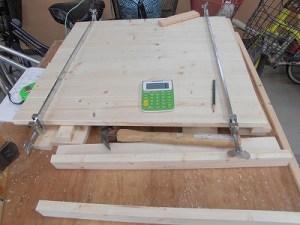 日曜大工教室~我流か自己流か編~ 扉の片側の組み立て開始/どこまでもアマチュア