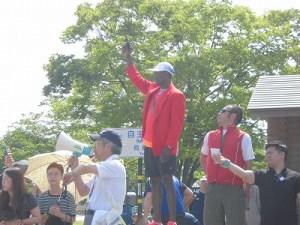 第52回越前大野名水マラソン エリック・ワイナイナ氏の号砲/どこまでもアマチュア