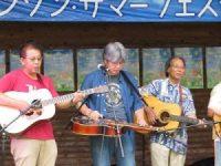 ギター田中 稔氏、ドブロ・ギター山田 憲治氏、ギター嶋 悦広氏