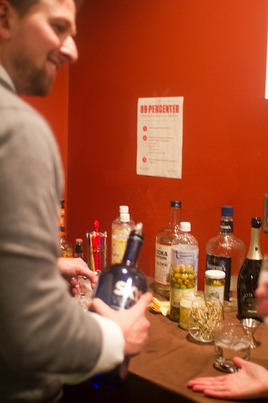 The Cocktail Station, a party hosting tip