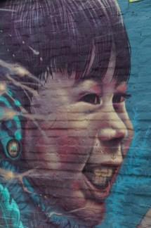 Künstler dieses Graffitis: Kiki aus Argentinien. Das Bild stellt seinen Sohn dar