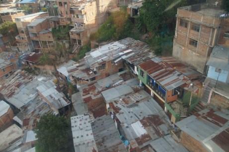Eindrücke vom Siloe Viertel, die Häuser sind auf engsten Raum gebaut