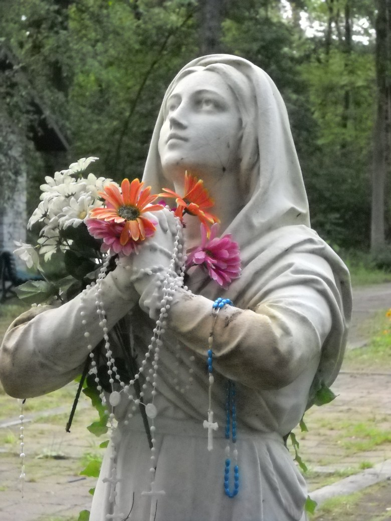 Statues: Sorrowful Mother Shrine