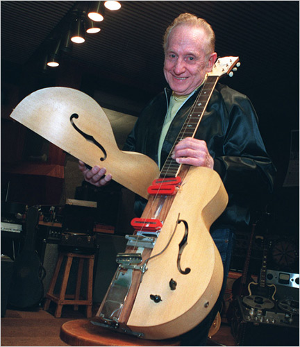 """Les Paul and his """"Log"""" Guitar"""