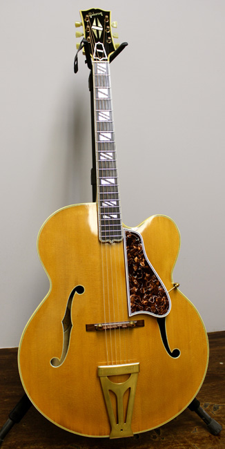 1950 Gibson Super 400 cutaway model