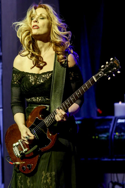 Nancy Wilson of Heart has ben playing an SG Junior with Bigsby for years