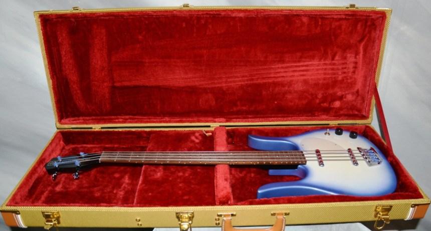 "2006 Danelectro ""Pro"" Lornhorn Bass"