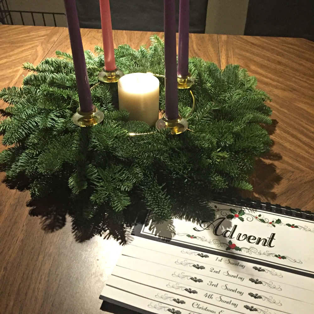 How to make a DIY Advent Wreath