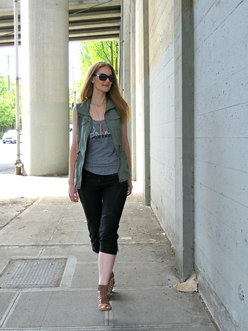 3 Ways to Wear A Utility Vest