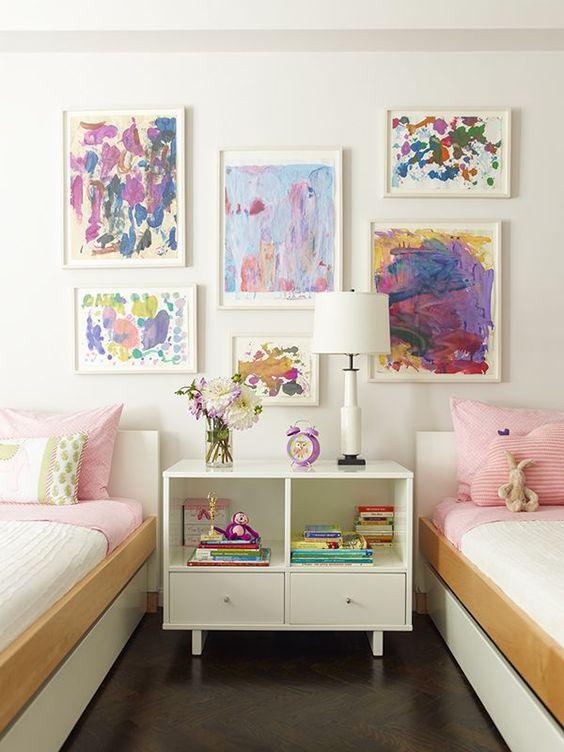 parete con disegni bambini