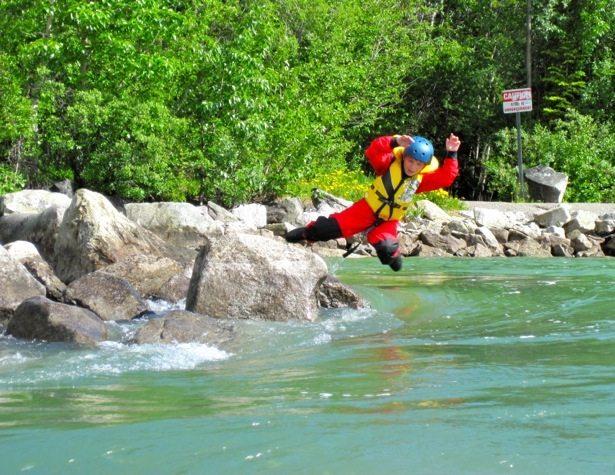 hunter yukon river swimming