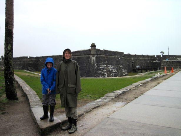 lee hunter castillo entrance