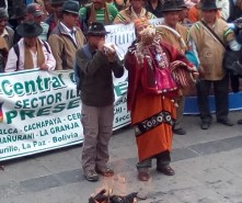 Q´oa al iniciar el Cabildo (Foto Chaski Klandestinx)