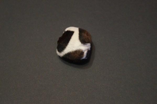 Balle à Papy jouet pour chat et chien créée par Georgia