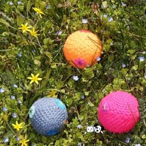 Balles en laine et fleurs créations de Georgia