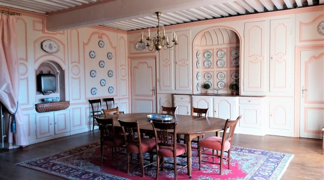 Saconay - La grande salle-à-manger