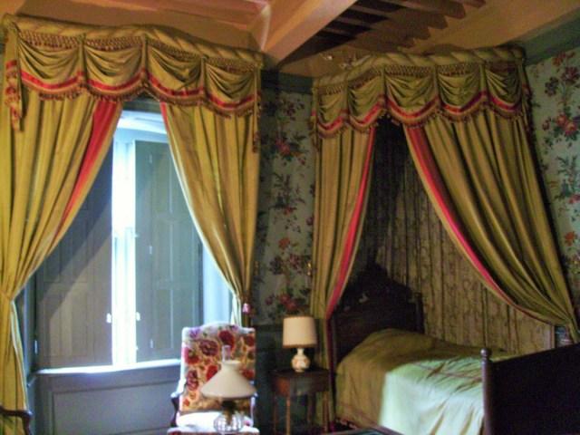 Saconay - La chambre des oeillets