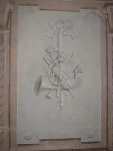 Saconay - Fresque en grisaille de la galerie 1